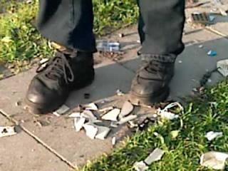 Buffalo Boots 1340 vs. Telefon (crushing)