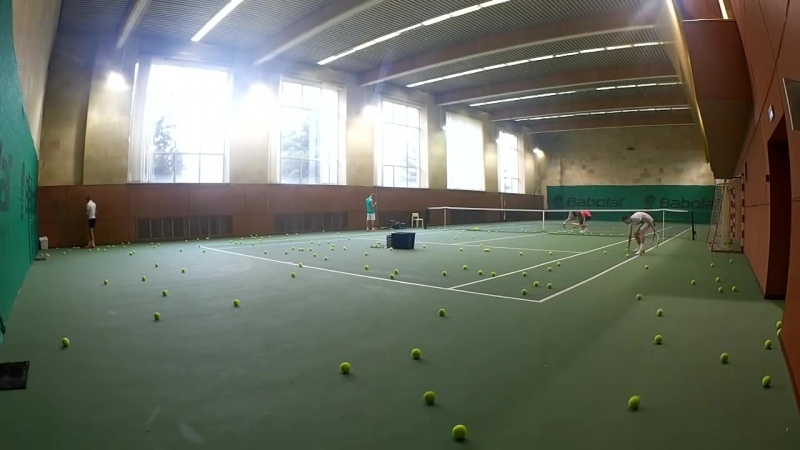 Тренировка в школе большого тенниса Tennis Capital