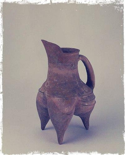 Се или Гуй (Трёхногий чайник) культуры Луншань