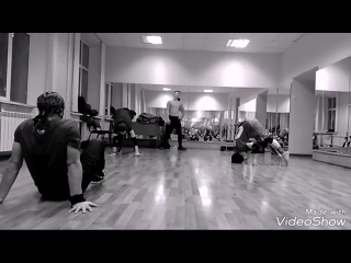 Girl (Headspin practice).mp4