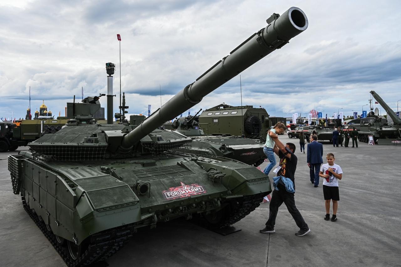 """قريبا إختبار أول نموذج لدبابة """"تي – 90 إم"""" الروسية المزودة بمنظومة إلكترونية بصرية جديدة Yl9C-lttI8w"""
