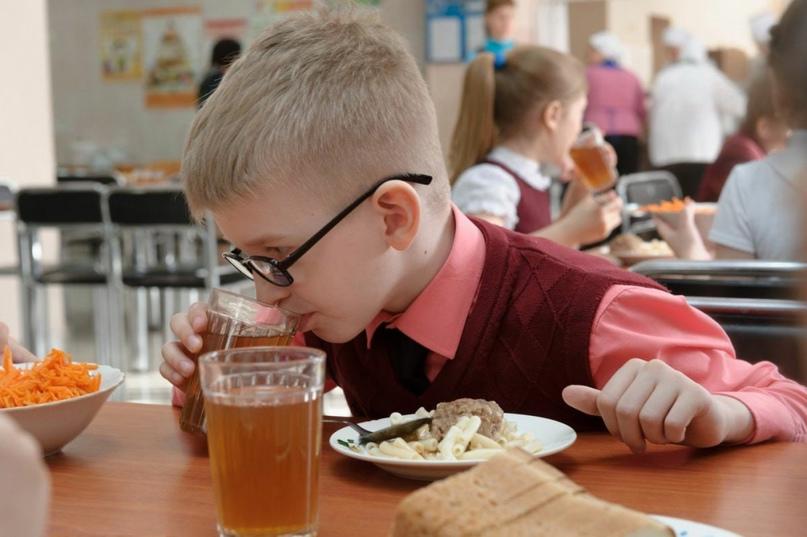 В Якутии усилят родконтроль после жалоб об окурках в школьной еде