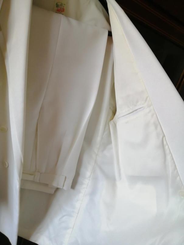 Белый костюм, одевал один раз, чисто | Объявления Орска и Новотроицка №27864