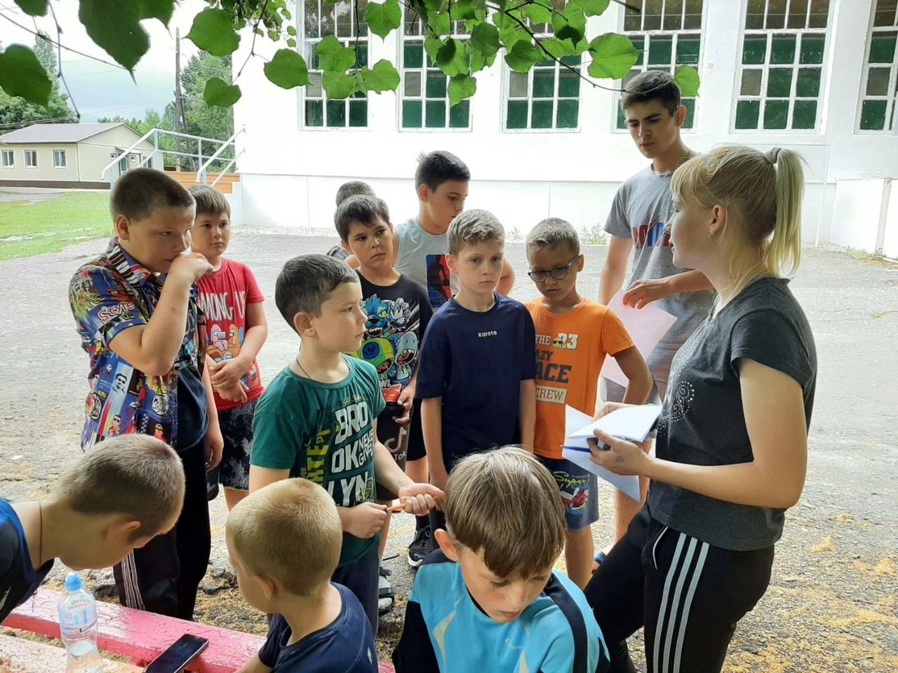В детском лагере имени А. Гайдара провели ярмарку финансовых знаний и спартакиаду