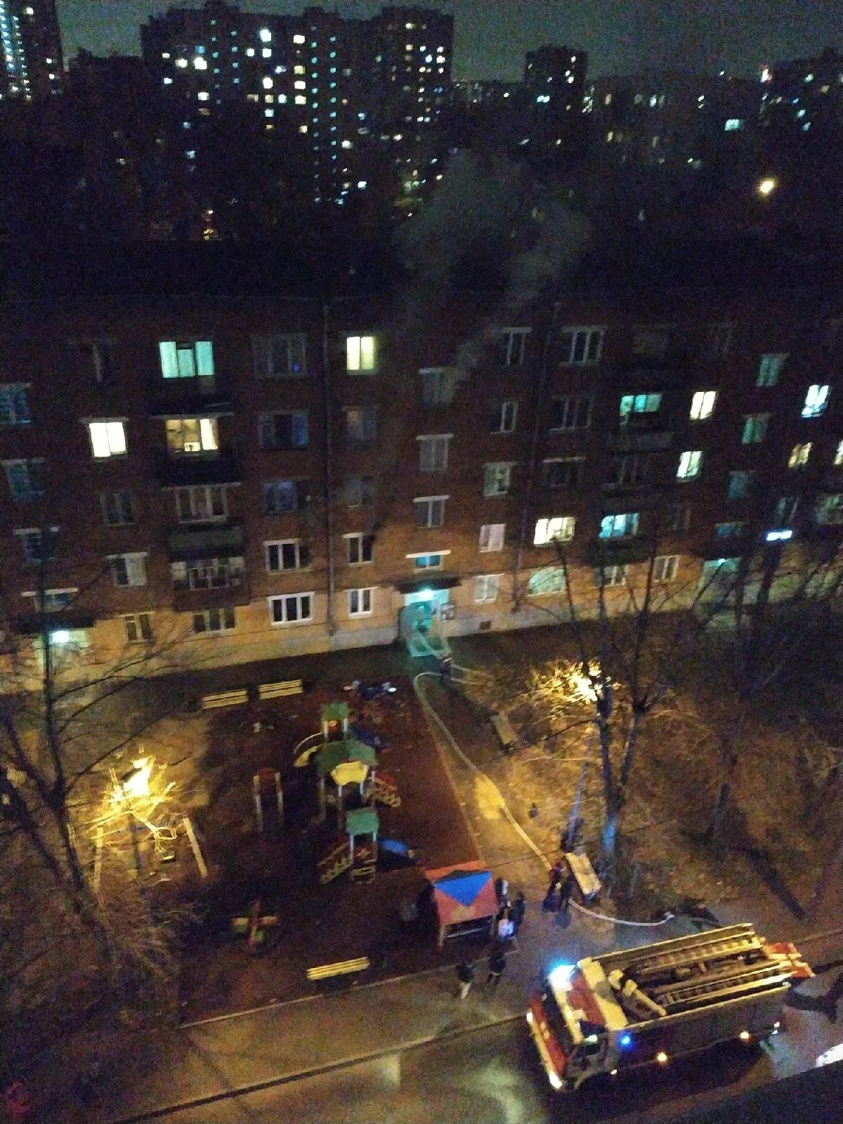 Один человек погиб в результате пожара в квартире на северо-востоке столицы, сообщил Агентству городских новостей «Москва» источник в экстренных службах.