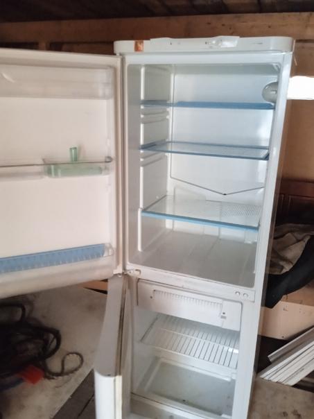 Всем привет,продам холодильник за 2500,рабочий,на ...