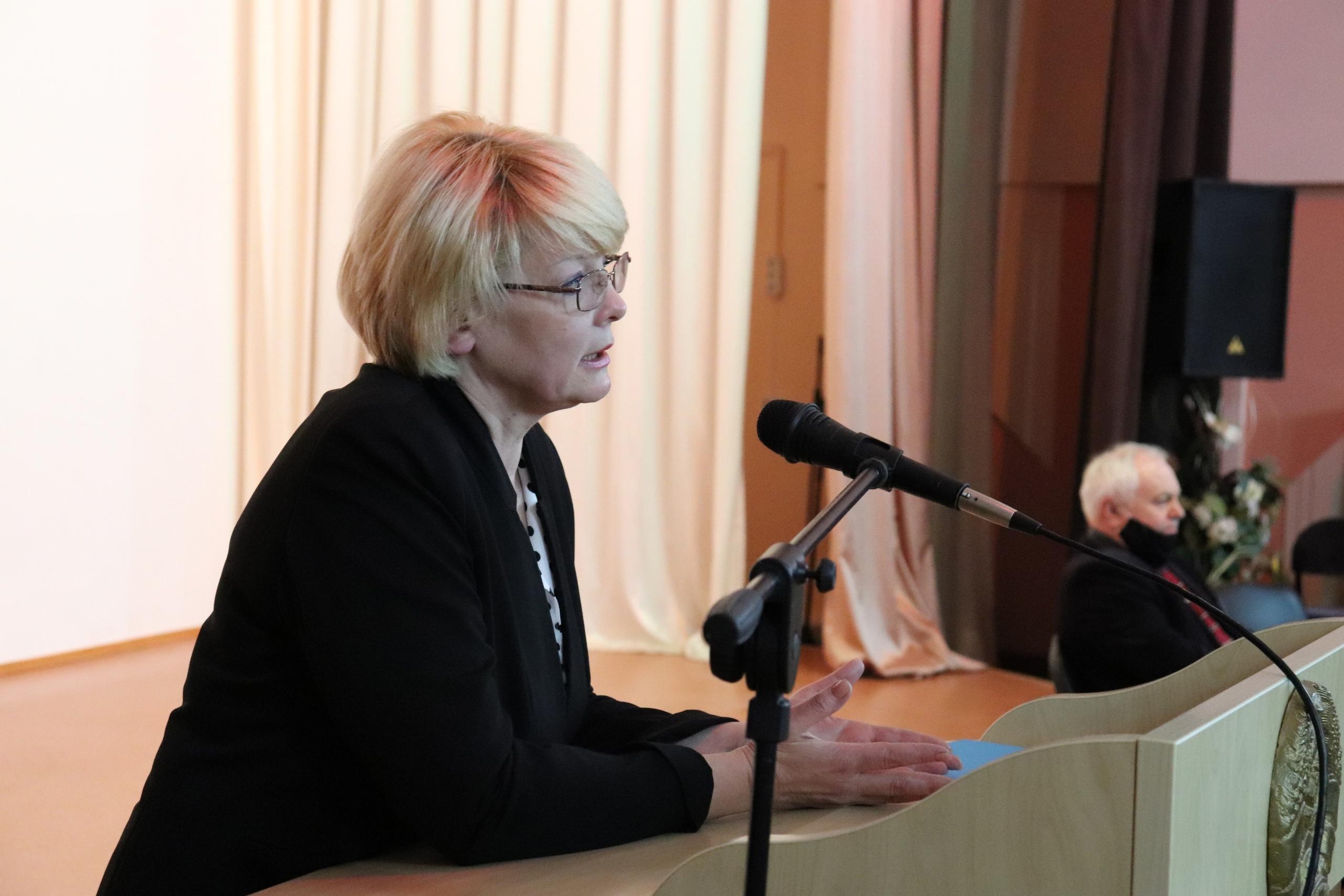 Встреча учащихся с заместителем председателя постоянной комиссии по образованию, науке и культуре национального собрания РБ - Лилией Воцлавовной Кирьяк