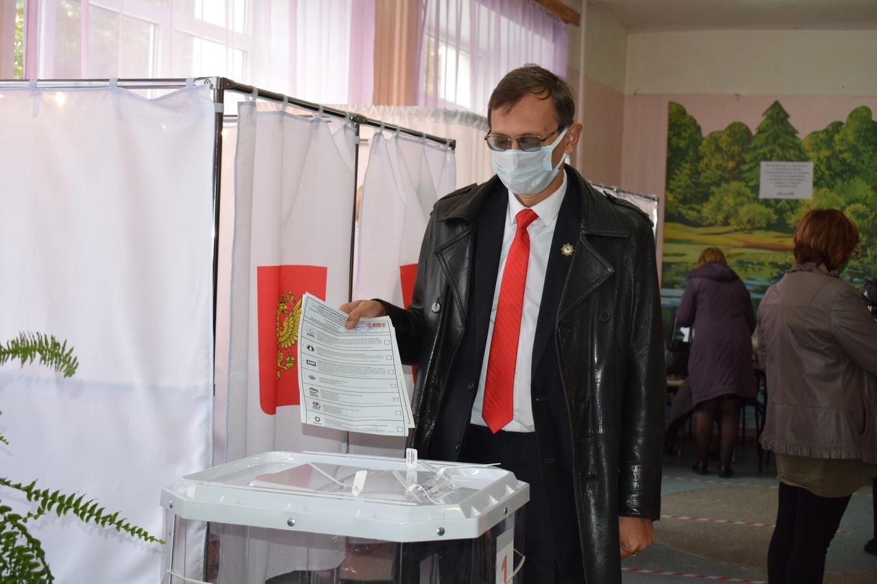 В Тверской области голосуют ветераны, главы и министры